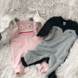 Two Baby Gap outfits size 12-18M